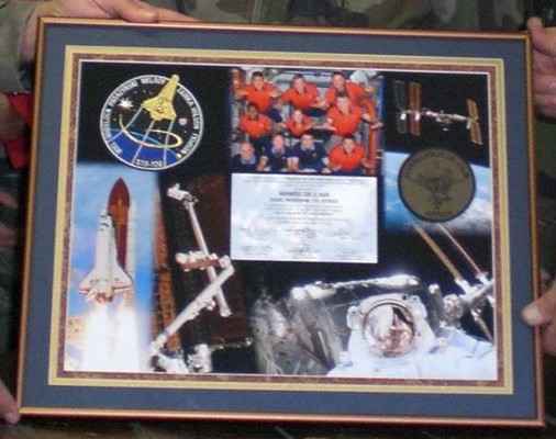 L'insigne de l'Escadron de Protection de Istres dans l'espace. Insign13