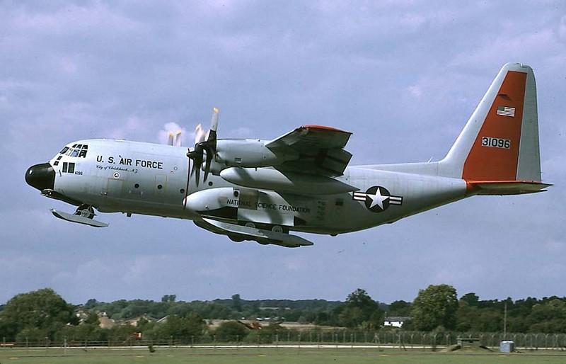 Versions spécialisées C 130 Lc130_10