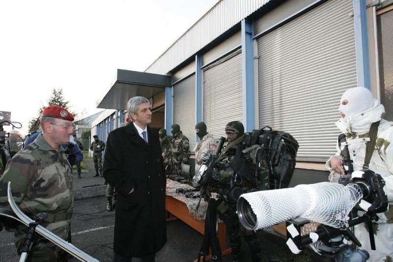 Le Ministre de la Défense visite le Commandement des Opérations Spéciales (COS) Presen12