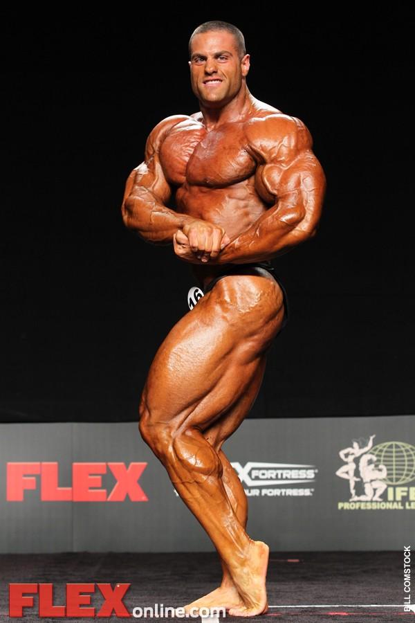 Evan Centopani remporte le Flex Pro Show 2011 11565210