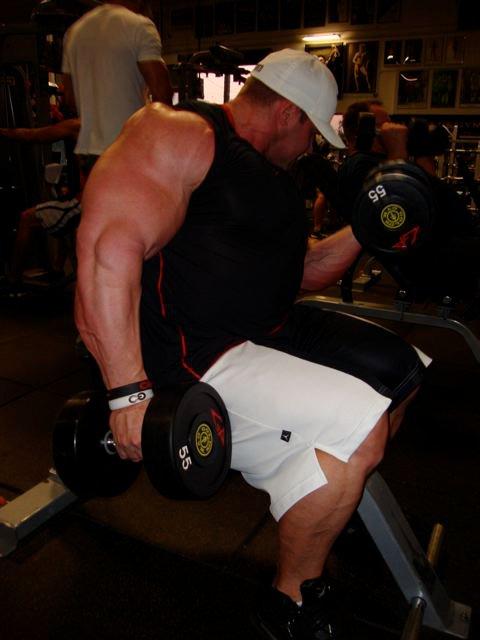 Jay Cutler au Gold's Gym le 10/02/2011 18160710