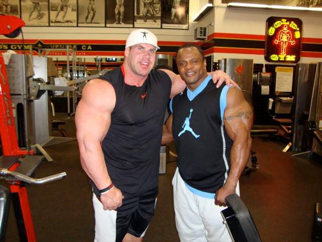 Jay Cutler au Gold's Gym le 10/02/2011 18430610