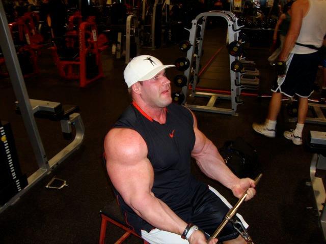 Jay Cutler au Gold's Gym le 10/02/2011 18587910