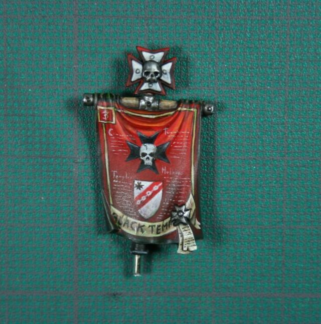 Black Templar avec bannière 00312