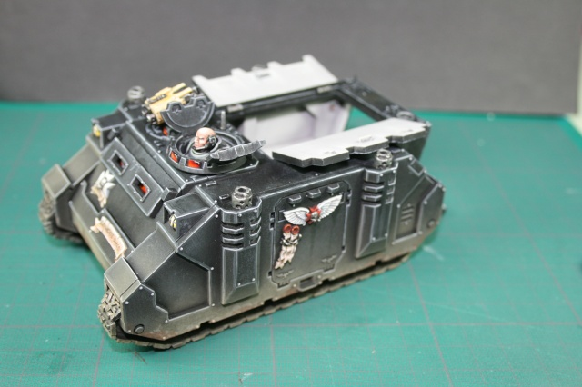 Mon armée de Black Templar en construction Rhino_16