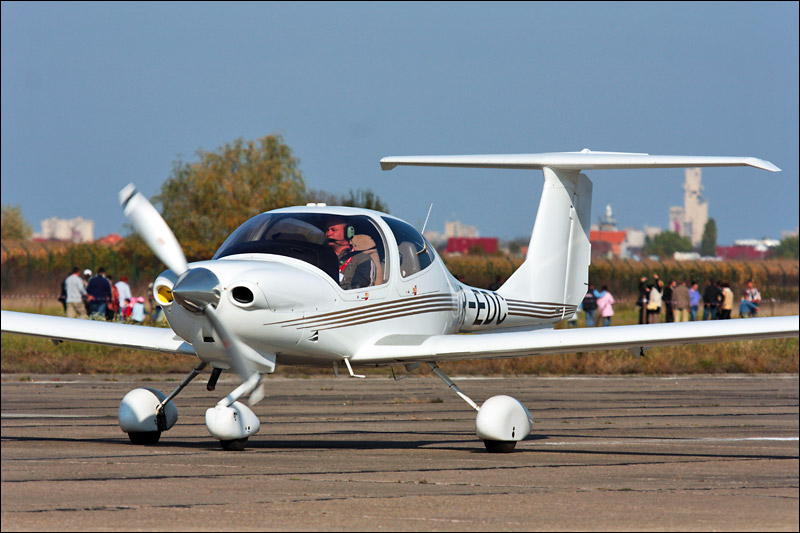 Miting aviatic Satu-Mare - 19 octombrie 2008 Img_5810