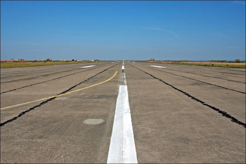 Miting aviatic Satu-Mare - 19 octombrie 2008 Img_6016