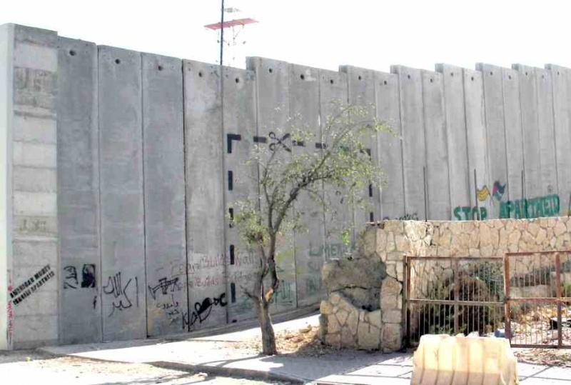 """Le mur """"de la honte"""", """"de l'apartheid"""", """"du choc des civilisations"""" Le_mur10"""