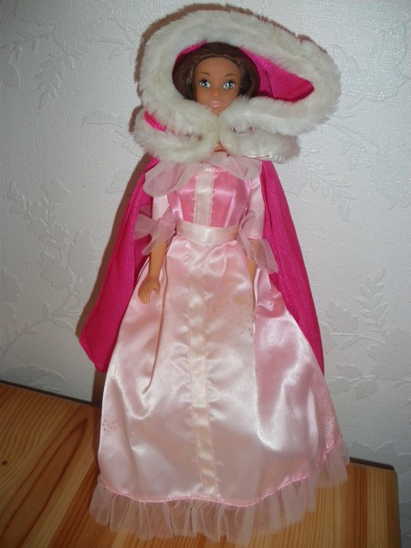 Ma collection de poupées Barbies - Page 4 Imgp0915
