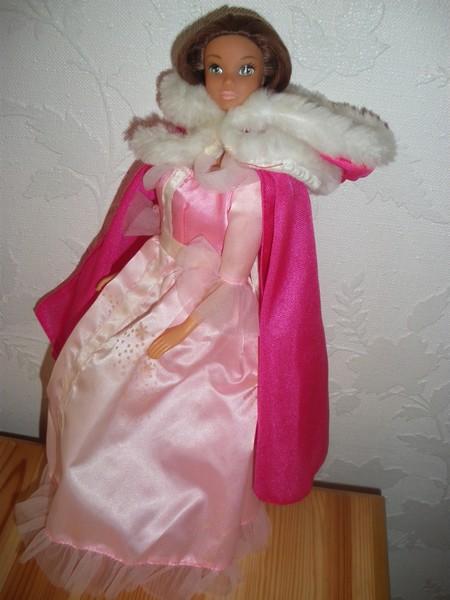 Ma collection de poupées Barbies - Page 4 Imgp0916