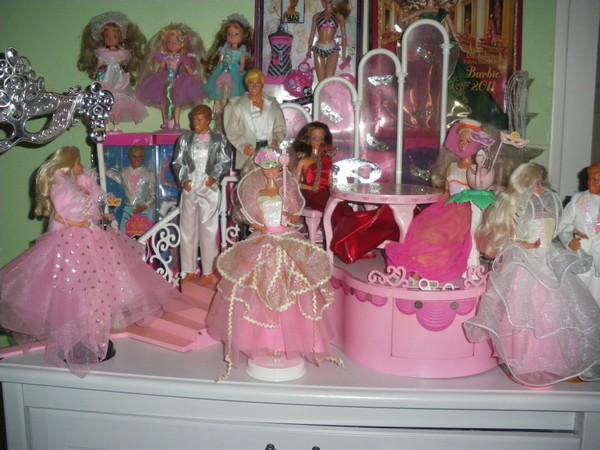 Ma collection de poupées Barbies - Page 4 Imgp1010