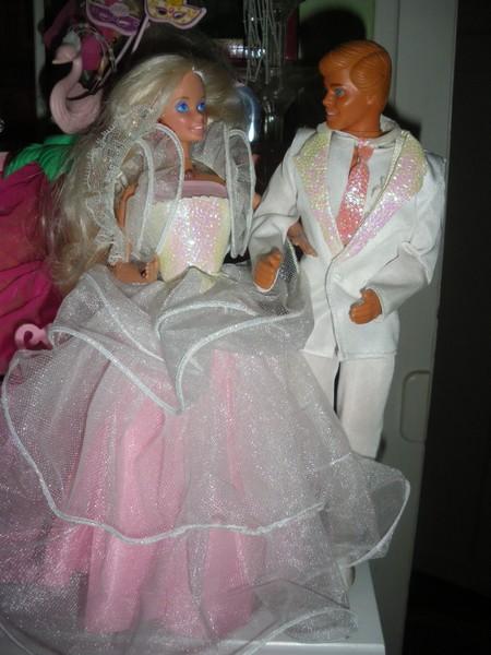 Ma collection de poupées Barbies - Page 4 Imgp1011