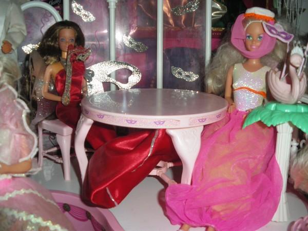 Ma collection de poupées Barbies - Page 4 Imgp1014