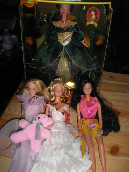 Ma collection de poupées Barbies - Page 5 Imgp1018