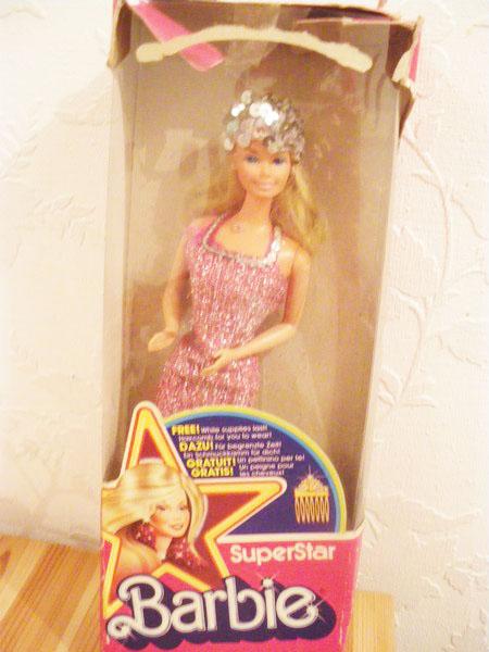 Ma collection de poupées Barbies - Page 5 Imgp1037