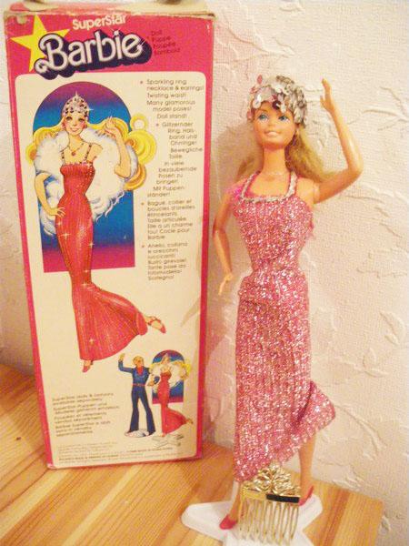 Ma collection de poupées Barbies - Page 5 Imgp1038