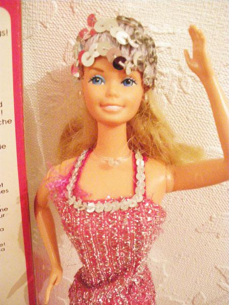 Ma collection de poupées Barbies - Page 5 Imgp1039