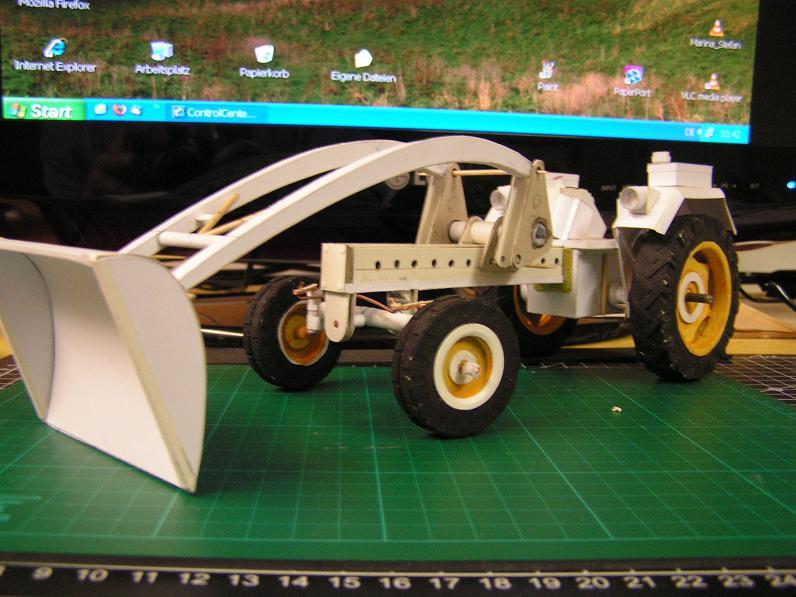 Geräteträger RS-09 1:20 Ein neuer Versuch gebaut von klebegold - Seite 2 85k10