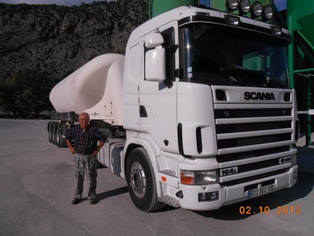 Des photos de camions bétaillères à moutons et d'autres photos de camions aussi conduit par Henry Elie . - Page 3 00827