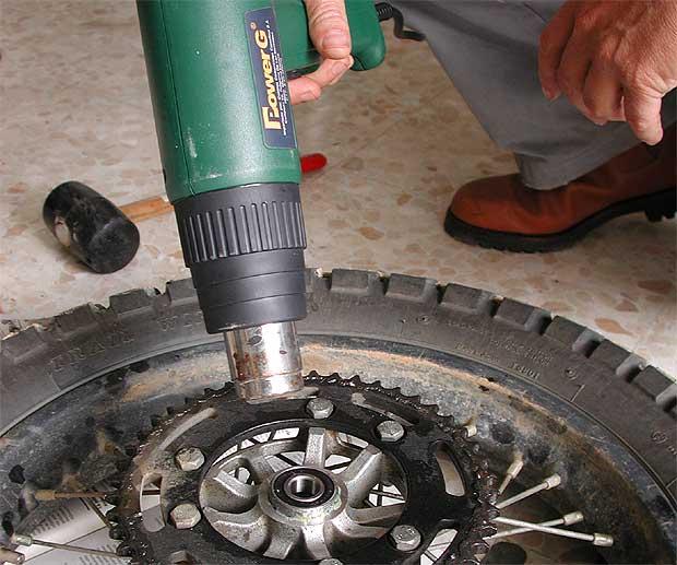 Cambiar rodamientos de la rueda trasera Foto510