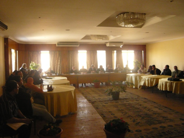 صور إجتماع دراسة مشروع المنطقة الإجتماعية الجديدة  وحمام السباحة الأوليمبي P1020918
