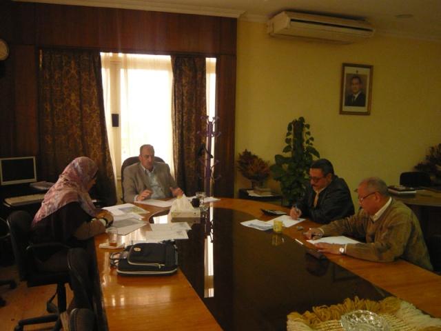 إجتماع لجنة مراجعة مخطط أرض النادي (270فدان ) P1030227