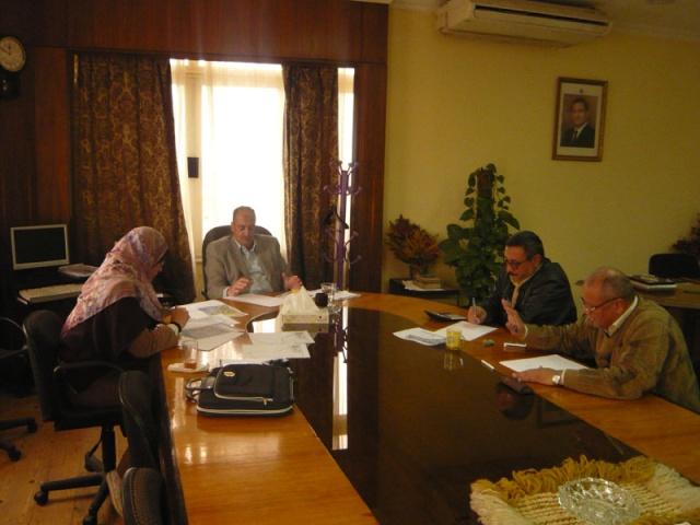 إجتماع لجنة مراجعة مخطط أرض النادي (270فدان ) P1030228