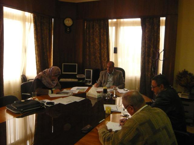 إجتماع لجنة مراجعة مخطط أرض النادي (270فدان ) P1030229