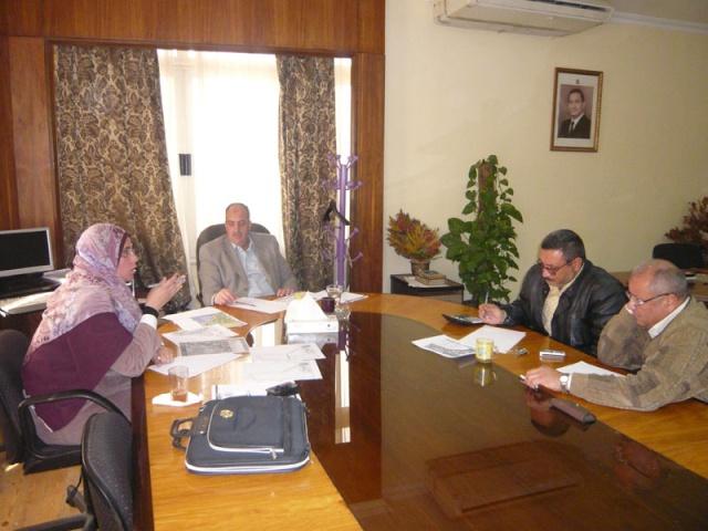 إجتماع لجنة مراجعة مخطط أرض النادي (270فدان ) P1030230