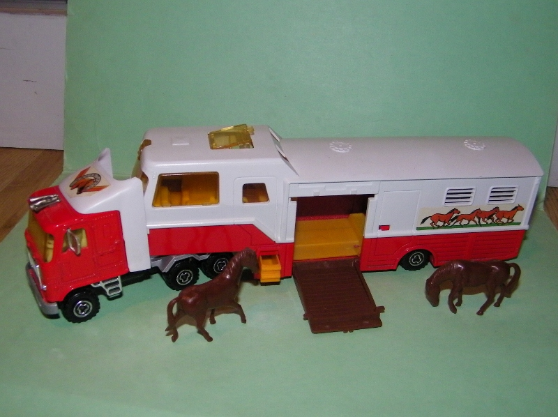N°3067 GMC ASTRO TRANSPORT CHEVAUX 3067_c11