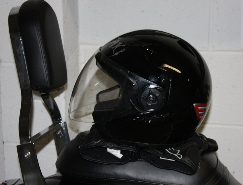 ma 900 VN - Page 2 Casque12