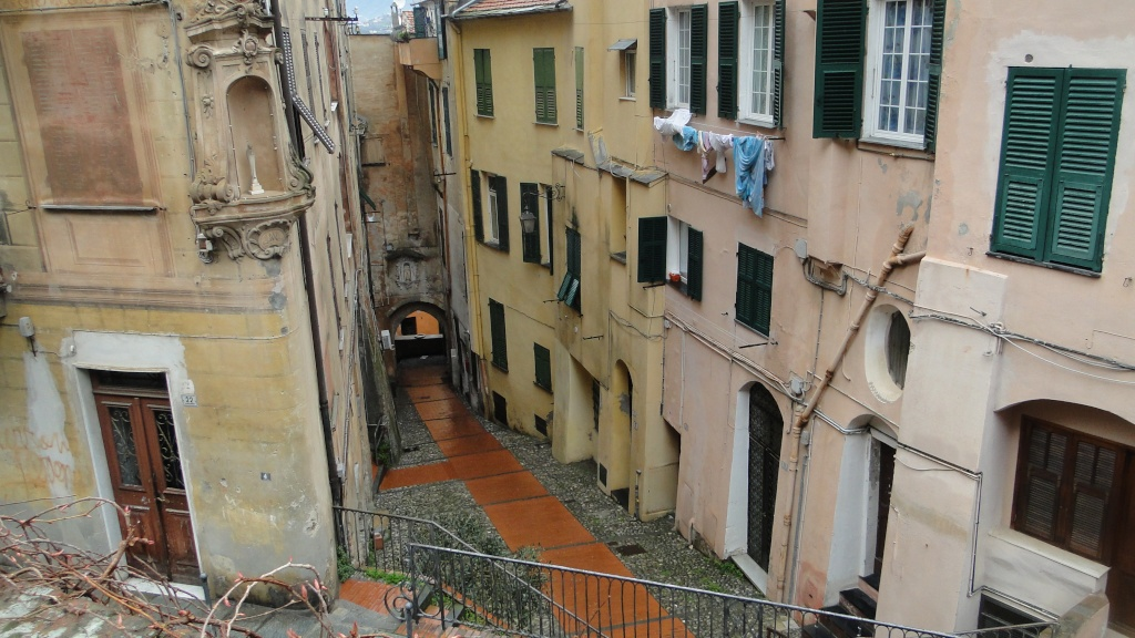IMPERIA (ITALIE) - Page 4 Maisns10