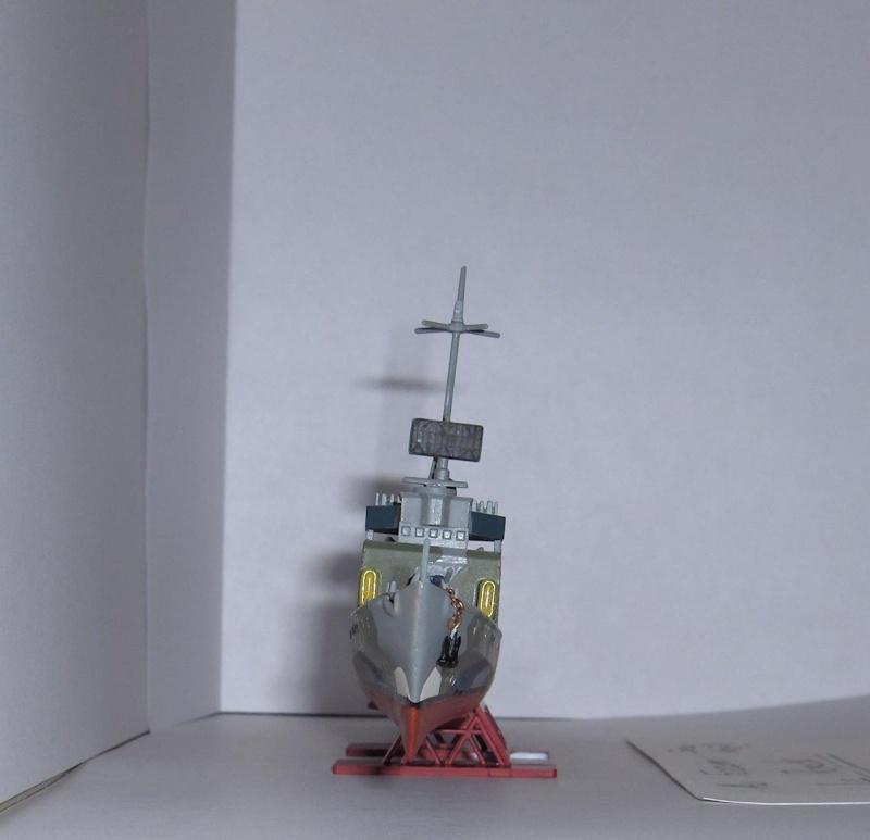 Torpilleur Allemand T-23 par Flash au 1/400 - Heller Hpim0614
