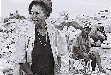 Estamira. Documentário brasileiro, diretor: Marcos Prados C-esta13