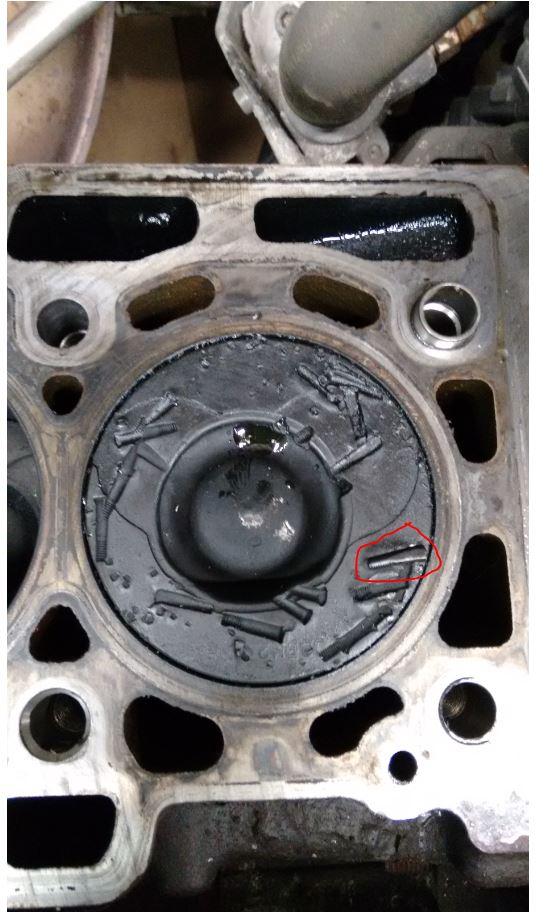 bruit moteur + moteur qui prend pas les tours - Page 4 Piston10