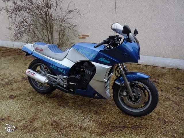 GREG repasse sur 2 roues , mais toujours avec une Kawasaki !!! 19287610