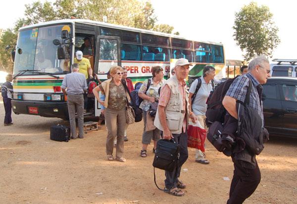 Birmanie - Vers un développement du tourisme - Page 2 Touris10