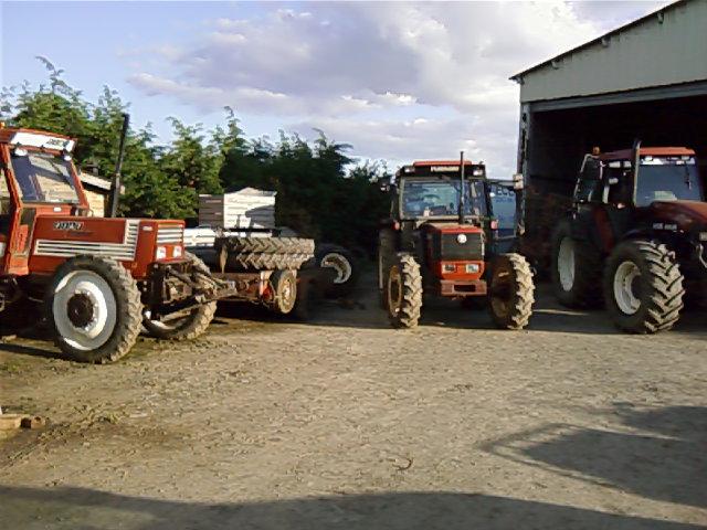Photos de vos tracteurs - Page 6 P12-0510