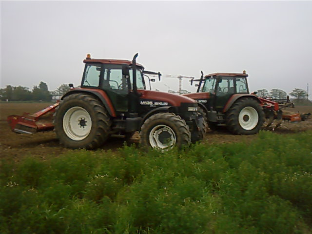 Photos de vos tracteurs - Page 6 P22-0510