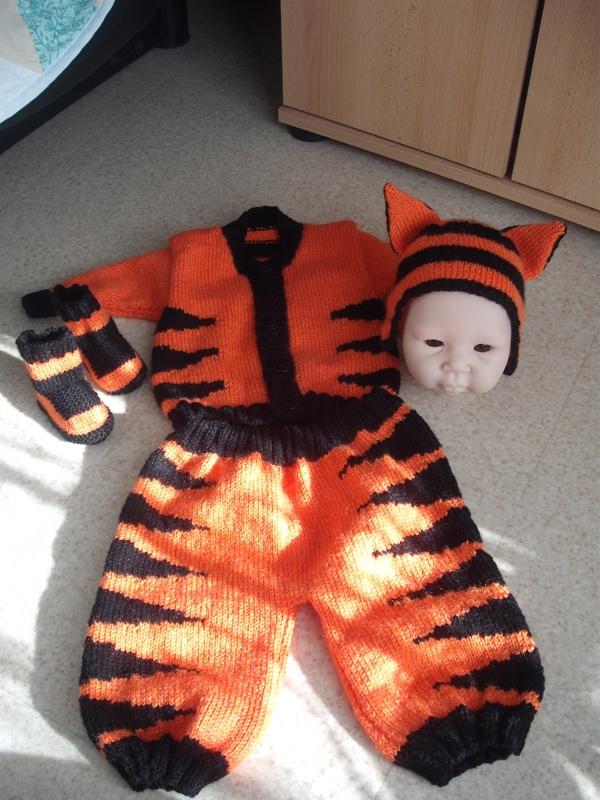 vote du concours tricot crochet du carnaval janvier 2013 Dscf6110