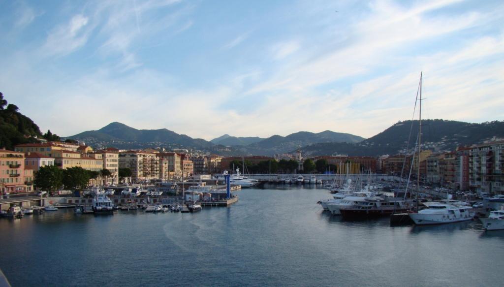 [Vie des ports] Le Port de Nice - Page 3 Dsc06413