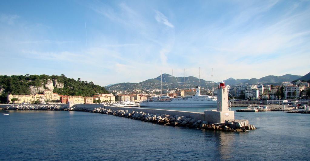 [Vie des ports] Le Port de Nice - Page 3 Dsc06414