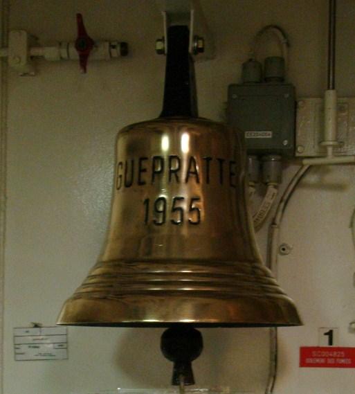 [Autres sujets marine] Les cloches de nos bâtiments (Armés et désarmés) Dsc09610