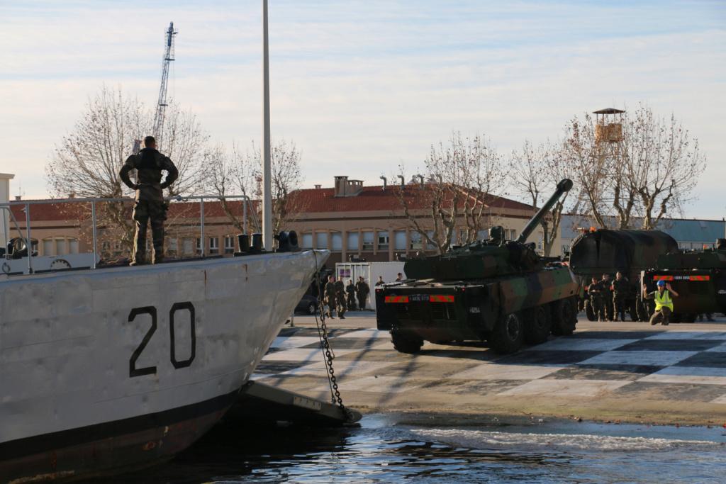 [Divers navires amphibie] EDA - R ( Engin de débarquement amphibie rapide ) Img_2824