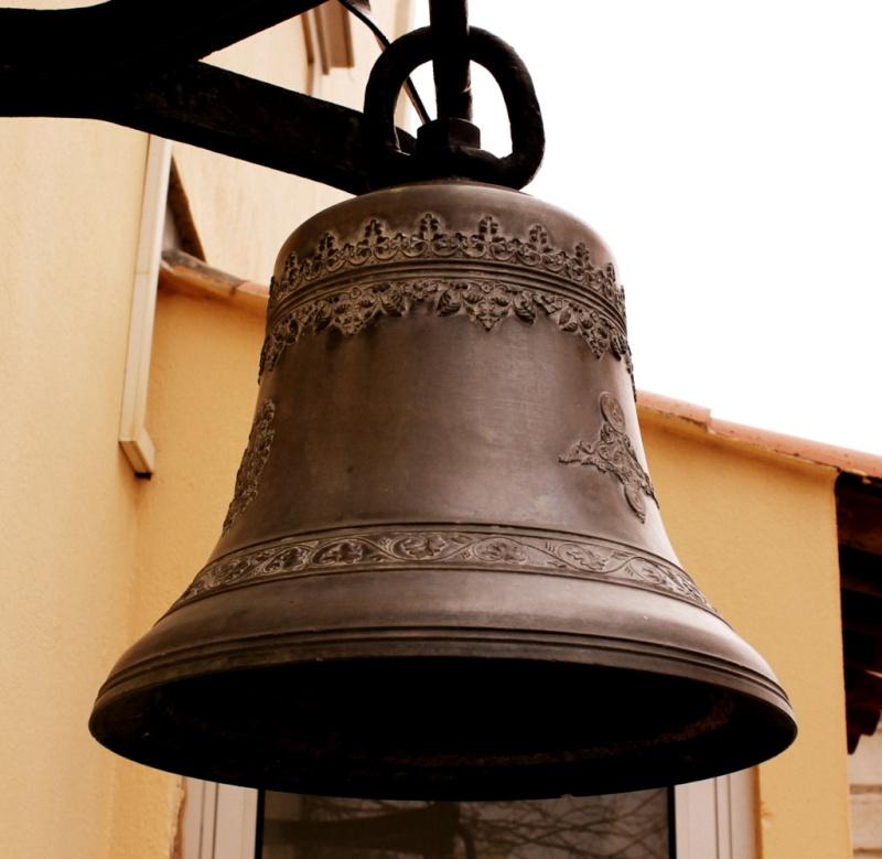 [Autres sujets marine] Les cloches de nos bâtiments (Armés et désarmés) Img_4538