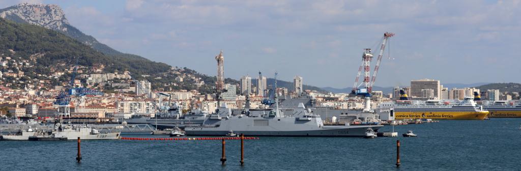 [Les ports militaires de métropole] Port de Toulon - TOME 1 - Page 6 Img_7930