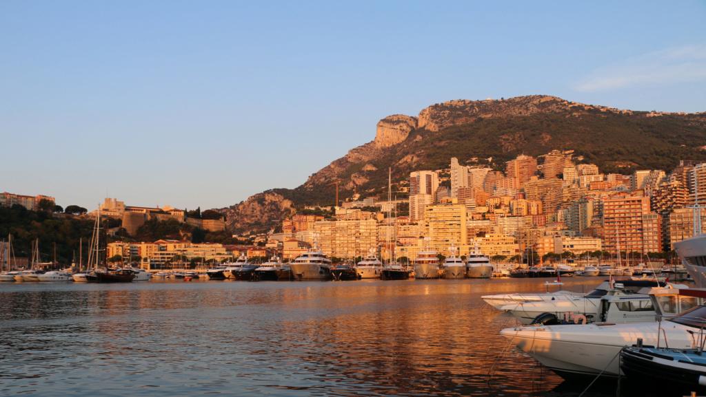 [VIE DES PORTS] Monaco - Page 4 Img_8811