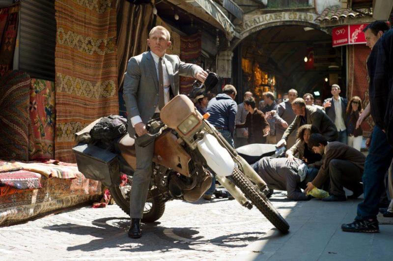 007 : Qui a vu cette scene? 48684010