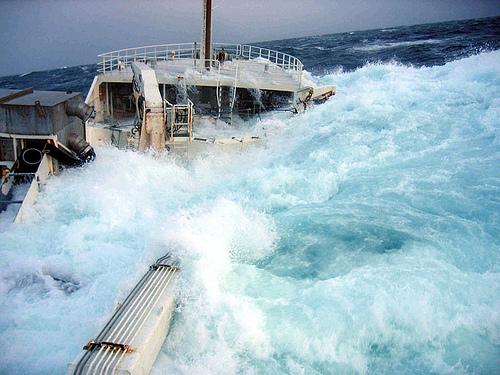 Les vagues scélérates, ou une faillite de la science  Wave410