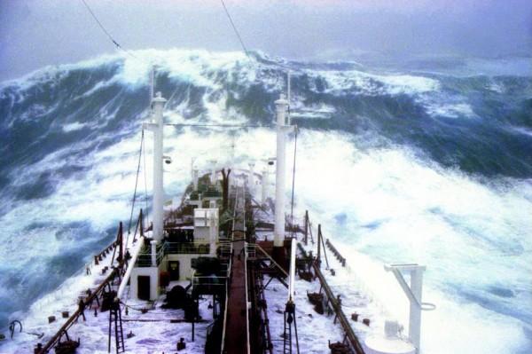 Les vagues scélérates, ou une faillite de la science  Waves_11